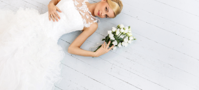 Un traje de novia con mucho volante