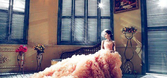 ¿Qué hacer con las manchas en tu vestido tras una boda?